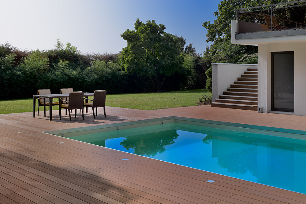 Einwood Decking pool